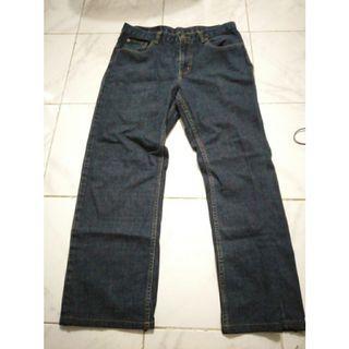 Celana jeans pria regular fit size 33 merek tira