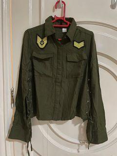 Jual atasan H&M hijau army