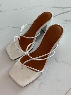 NAKEDSOL kiki heels in white hak tinggi sandal wanita warna putih