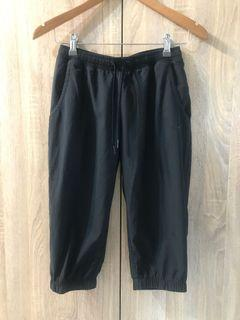 Nike DRI FIT 春夏 黑色 抽繩七分運動褲 縮口褲 寬鬆版運動褲 女S 小尺碼