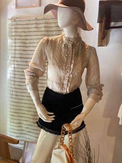 One set top cream & tweed pants