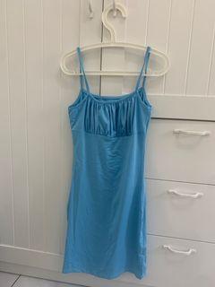 藍色連身裙
