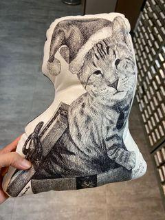 【二手】貓咪造型抱枕