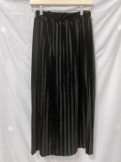 黑色薄絨布長裙