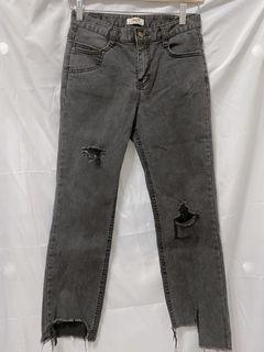 彈性窄身破壞灰黑牛仔褲