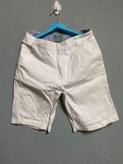 免費 白短褲