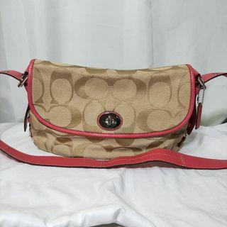 AUTHENTIC Coach C1026-F15171 Signature Beige Canvas Shoulder Bag