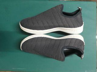 BNew Rubber Shoes 7.5