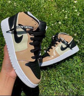 Crème custom Jordan 1 mids
