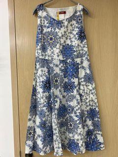 Max Mara 藍色白色圖騰洋裝