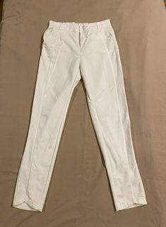 Off white stretchable trouser