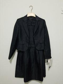 Satu set jas dan dress