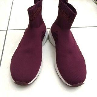 Skechers 暗紅 襪套鞋