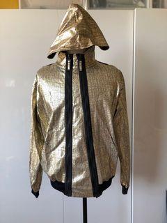 Vivienne Westwood 解構拼接外套