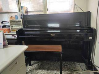 二手良品鋼琴與椅子