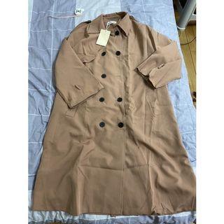 誠可議 急售 hua shi jian 附綁帶氣質壓紋排釦風衣外套短洋裝