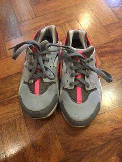 Nike Huarache for Kids Rubber Shoes for Kids Girls