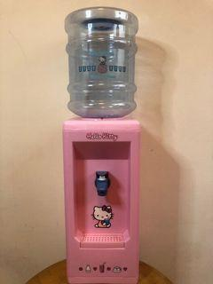 凱蒂貓小型飲水機