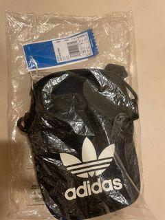 出清價adidas Originals Logo 側背包 EI7411