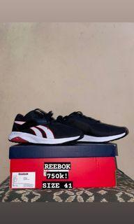 BNWB Sepatu Rebook size 41