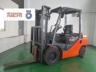 CERTIFIED USED (Silver) Toyota Forklift Counter Balance Diesel 2.5 tons