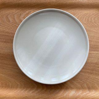 Ikea 北歐米白平圓盤 早餐盤 簡約風 23cm