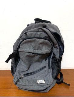 Tuguan 雙肩後背包 登山包 筆電後背包 電腦後背包 商務後背包