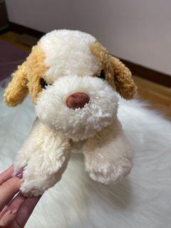 米白色狗狗娃娃