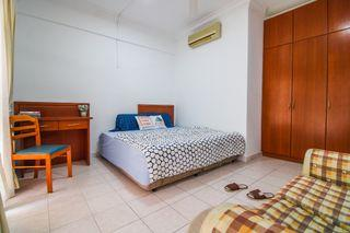 Check Out This Room! Safe & Secure All-Girls Unit -- Non-Sharing Room Near Intermark KL, KLCC