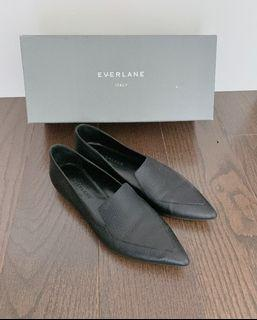 Everlane Boss Loafer in Black with Size 5.5