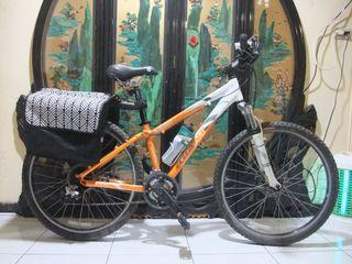 鋁合金giant 捷安特26吋shimano 24段變速碟煞腳踏車桃園自取適合身高155-170之間騎乘aluminum bicycle disc brakes Taoyuan Station