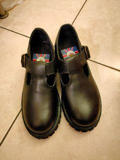 全新KIT真皮大頭厚底鞋-黑