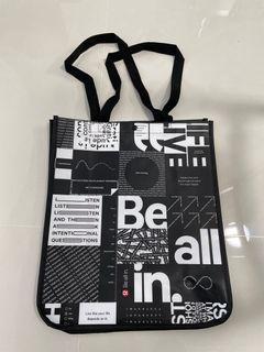 Lululemon black tote bag (large)