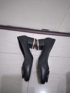 ORIGINAL TORY BURCH black leather shoes size 6