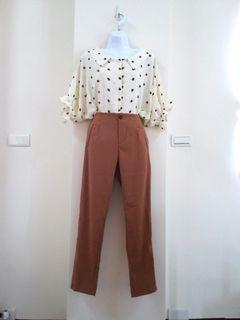 純色俐落打褶長褲