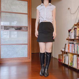 👗黑色高腰挺版A字裙