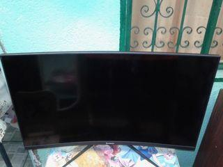 Gaming LED Curved Monitor 32-inch *(Buy 1 take 1)