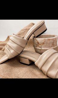 heels nude cream