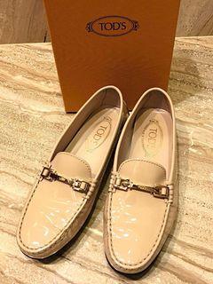 [9成新] Tod's 托德斯- 豆豆鞋,粉米色,義大利奢華鞋! 便宜賣~ #人氣
