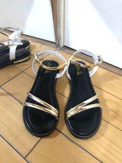 近全新 Ann's 金色 夏日顯瘦涼鞋 38 39號 amai grace gift daf 達芙妮 #618