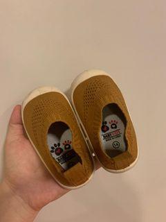Baby Toddler crib walking shoes - khaki