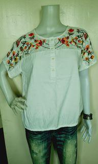 BOSSINI FLORAL EMBROIDERY BLOUSE