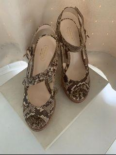 COACH 蟒蛇皮紋高跟涼鞋 38