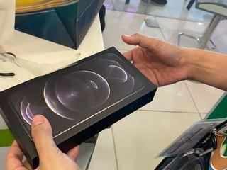 Iphone 12 pro max brandnew smartlock
