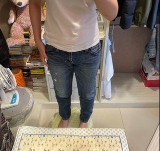 Roots直筒牛仔褲