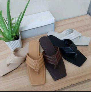 Wholesale/ Retail ladies square toe slipon sandals