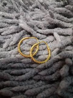 21k loop earring!