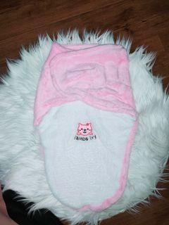 Bedong bayi instan