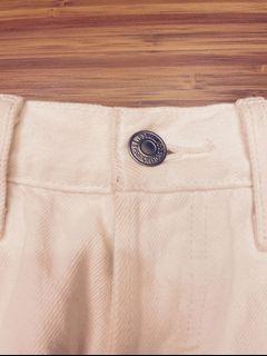 Levi's 白色熱褲