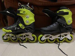 Sepatu Roller Skate